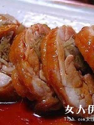 丰胸美食――花生卤猪蹄的做法