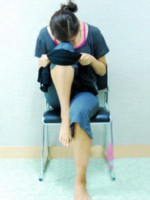 简易瑜伽保健脊柱和瘦腿