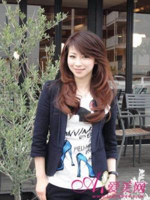 女性杂志:日本水谷雅子装酷似90后