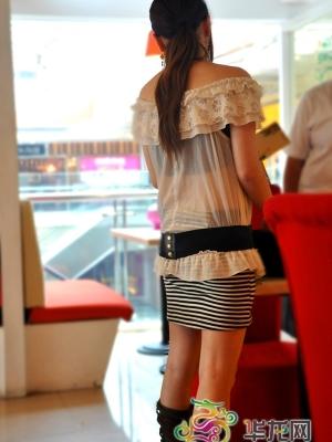 回顾今夏重庆美女日背影风景 更显女人魅力
