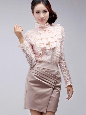 蝴蝶结与衬衫的搭配展现女人的优雅大方