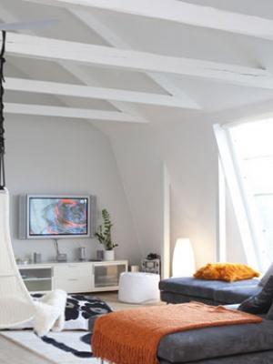 客厅电视背景墙的装饰搭配