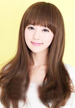 2012年发型流行趋势 减龄的齐刘海卷发
