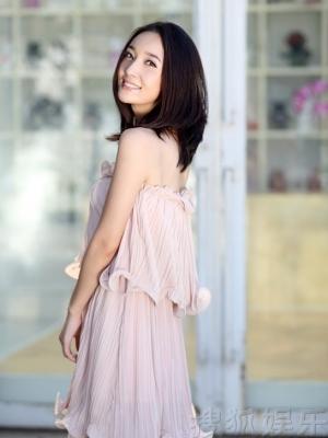王妍苏粉嫩写真 唯美优雅似邻家女孩