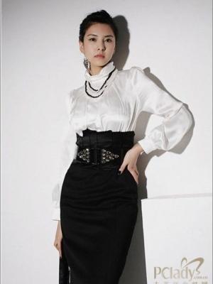 黑色装扮最适合职场OL酷感职业装