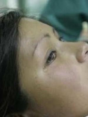现场实拍伟大母亲自然分娩全过程:边分娩边流泪
