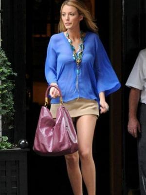 潮包是龙年时尚明星的最热的单品