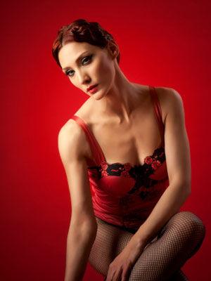 心里揭秘:为何男人女人都喜欢性感乳沟