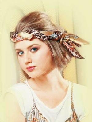 DIY丝巾的简单绑法 打造百变发型
