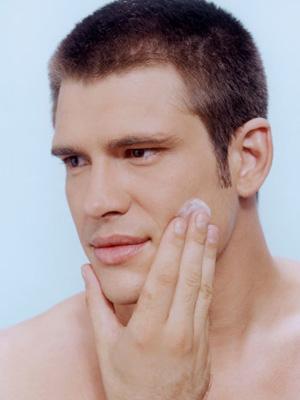 男士春季护肤需要多补水