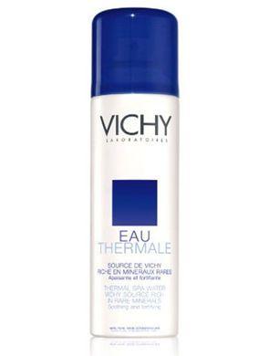 包里备瓶保湿喷雾 解皮肤干燥之渴