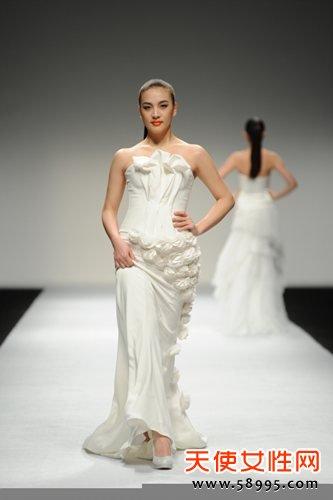 Couture婚纱礼服秀场 做最美新娘图片