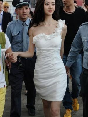京城四美穿衣风格大PK 看看谁更有时尚品味?