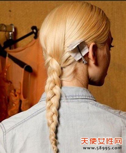 今年最春夏流行的15款经典时髦编发发型