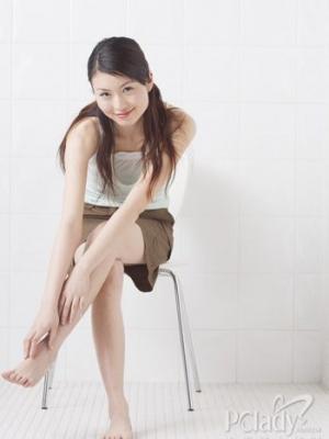 4种坐姿 轻松坐出性感大腿