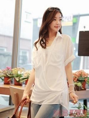 韩版白衬衫搭配穿出清新时尚