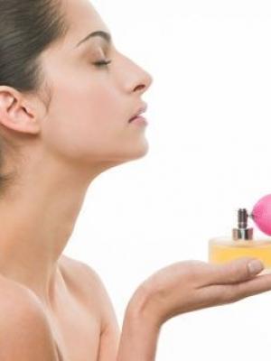 香水洒在女性哪些部位最性感最有香氛