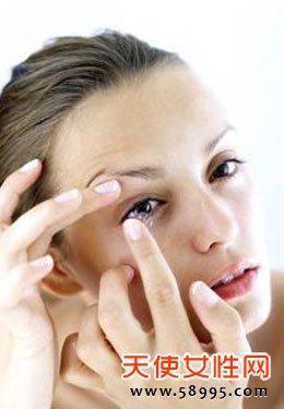 要怎么避免隐形眼镜伤害眼睛图片