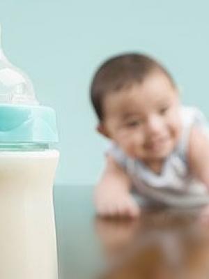 不满周岁的宝宝最好不要喝酸奶