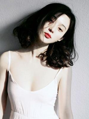 《二次曝光》剧照:四旦双冰赛红唇