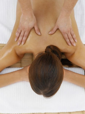 中医美容护肤:对准穴位疏通经络按摩