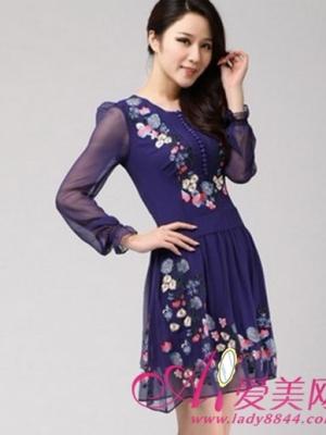 长袖真丝连衣裙 单穿打底把女人性感曲线倾情展现