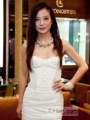 赵薇近期发型盘点 简单马尾头扎发尽显熟女气质
